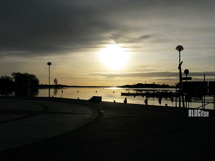 sun's position in Helsinki 29.11.11 at 12.26 pm by BLOGitse
