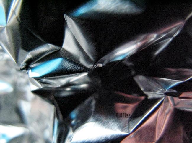 creased aluminium foil by BLOGitse