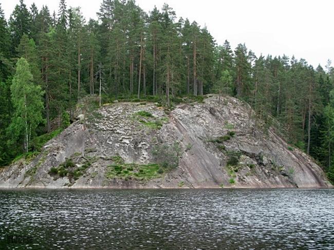 granite beauty in Nuuksio by BLOGitse